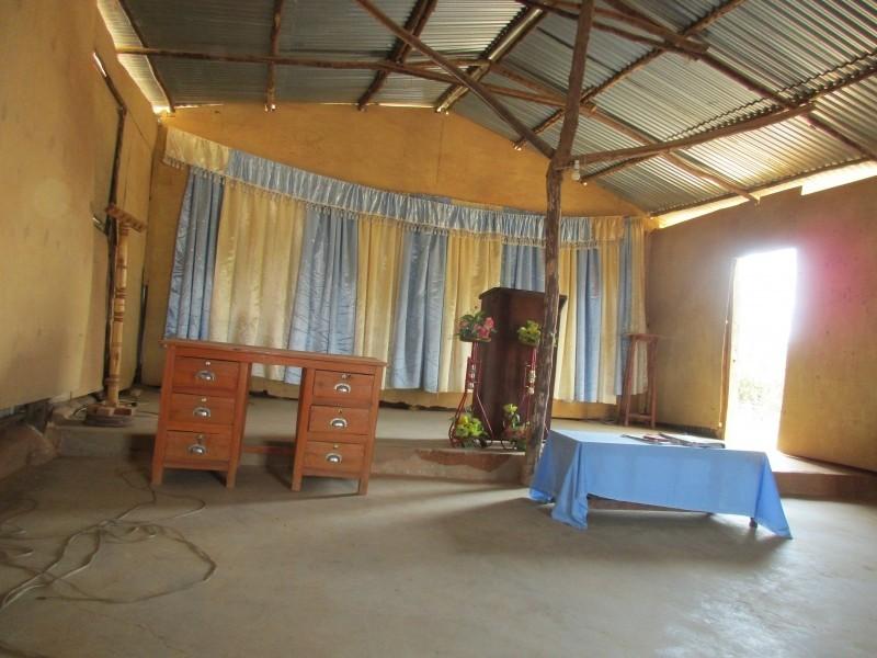 jako mobilní kliniky slouží většinou vesnické kostely